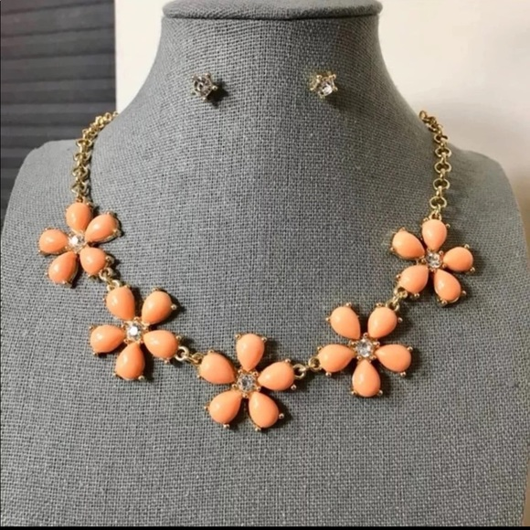 Jewelry - 3/$25 ** Peach flowers necklace n crystal studs
